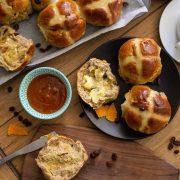 Vegan hot cross buns image.